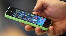 Maxi bolletta da 16.000 euro al cellulare: si era dimentica il roaming acceso