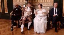 Palazzo Reale, foto sulle poltrone di velluto: ed è subito polemica