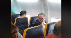 Insulti razzisti in volo, la polemica sui social: «Boicottate Ryanair»