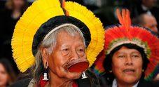 Immagine Papa Francesco riceve il capo tribù dell'Amazzonia