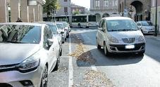 Parcheggi in centro, tornano le strisce bianche /Ecco dove e quanti posti