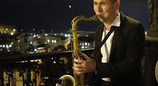 Soirée di musica e sapori al George davanti al golfo di Napoli