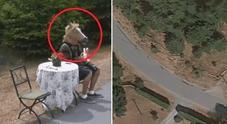 Google Maps, il giallo dell'uomo con la maschera da cavallo su Street View. Manager «senza parole»