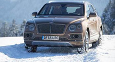 Bentley Bentayga, prima uscita glamour tra le nevi di Kitzbuehel per il luxury Suv