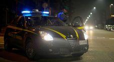 Sorpreso con un secchio pieno di marjuana nell'auto: 25enne arrestato