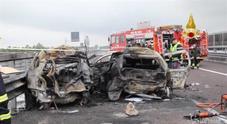 Vicenza, auto in fiamme dopo tamponamento su A31
