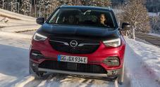Grandland X, l'ibrida plug-in ecologica e divertente. Il Suv Opel ha una potenza complessiva di 300 cv