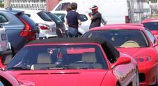 """Ostia si tinge di """"rosso"""": raduno Ferrari sul Lungomare Video"""
