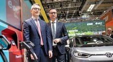 Volkswagen accelera sull'elettrificazione a 360°. Con E.On per ricariche ultrarapide: 15 minuti per 200 km