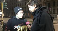Fedez riceve il Tapiro e risponde a Fabrizio Corona: «Io e Silvia Provvedi? Date sbagliate»