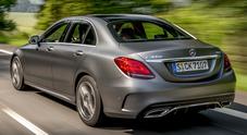 Classe C è un gioiello di tecnica, la rinnovata berlina Mercedes viaggia quasi da sola