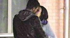 Monte e Paola Di Benedetto innamorati: il bacio dopo il reality: «Dormito insieme»