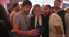 Lotito, selfie con un tifoso della Roma: poi l'insulto