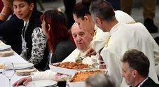 Papa Francesco fa servire a 1.500 poveri le lasagne halal per rispettare i musulmani