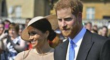 Harry e Meghan, primo party da marito e moglie: duchessa sempre più chic
