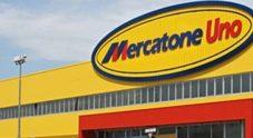 Mercatone Uno, sit in davanti al Mise. I lavoratori: «Riaprire i negozi»