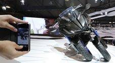 Yamaha Niken, la rivoluzionaria moto a tre ruote che ha stregato l'EICMA 2017
