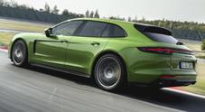 Panamera GTS, l'ammiraglia Porsche stupisce anche in pista. Berlina e Sport Turismo con V8 da 454 cv show in Bahrain