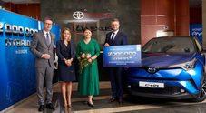 Toyota festeggia due milioni di vetture ibride consegnate in Europa dal 2000