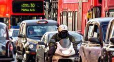 Troppo inquinamento, Londra accelera bando motori termici. Zone accessibili solo ad auto elettriche e ibride