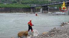 Kayak in balia delle acque del Piave: intervengono i pompieri /Foto