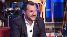 Salvini show da Costanzo, canta Albachiara e Vasco risponde così (ma è una bufala)