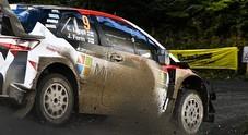 Rally del Galles, la Yaris di Lappi in testa, poi l'altra Toyota di Latvala e Neuville (Hyundai i20)