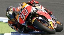 Marquez vince a Motegi e conquista il terzo titolo in MotoGP. Vale e Lorenzo a terra