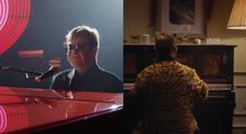 Elton John, lo spot di Natale per i grandi magazzini che farà impazzire i fan