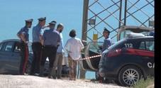 Trovato morto in auto: accanto la siringa per la dose fatale