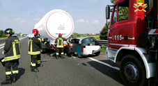 Auto sotto il Tir in A13, muore un giovane pordenonese /Traffico in tilt