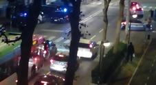 Esce armato di falce per vendicarsi: paura per la rissa tra romeni