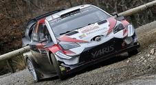 Rally Finlandia, Toyota Yaris di Tanak in testa dopo il primo stage. Insegue la Hyundai di Neuville