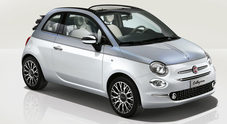 """Sfila a Ginevra la collezione """"primavera"""" della 500, icona Fiat con carrozzeria bicolore e cura sartoriale"""