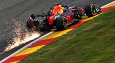 Verstappen leader a sorpresa nel secondo turno mentre la Ferrari se la gioca con la Williams...