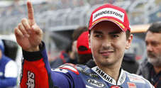 MotoGP a Motegi, Lorenzo pole bagnata. Hayden con la Ducati 3°, Rossi 5°