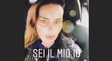 Nina Moric piange, mistero su Instagram: «Vita mia, non vedo l'ora che sia domani. Sei il mio tutto». Di chi parla?