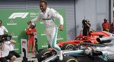 Hamilton e i fischi sul podio del Gp di Monza: «Il tifo contro mi dà la carica»