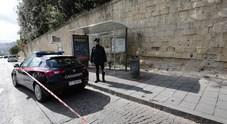 Napoli, agguato tra la folla davanti al Bosco di Capodimonte: 19enne ferito alle gambe