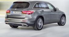 Mercedes, la GLK lascia il posto alla GLC: arriva il Suv compatto in abito da sera