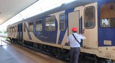 Sorpreso senza biglietto, immigrato scatena la rissa: feriti tra i passeggeri