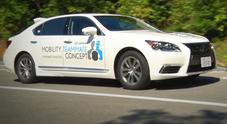 Lexus, il premium brand di Toyota presenta al G7 la guida autonoma cittadina con la LS