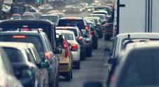 Emissioni, CO2 in aumento con vetture a benzina. Nel 2017 hanno superato i diesel