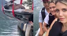 Wanda Nara, incidente al lago: paura tra gli amici la moto d'acqua «ripescata»