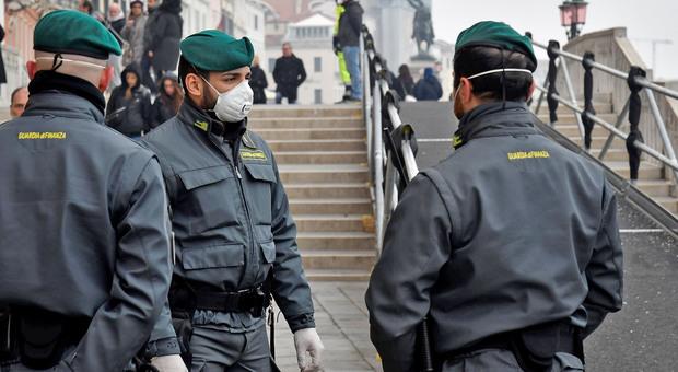 Coronavirus, forze dell'ordine a Venezia
