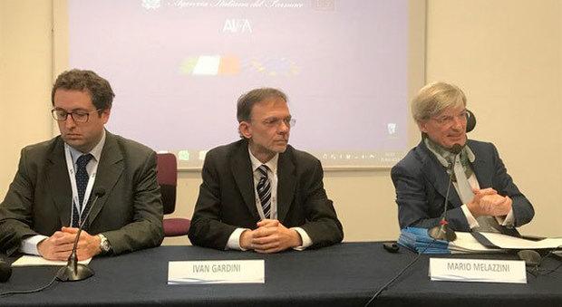 Al centro Ivan Gardini, presidente dell'Epac