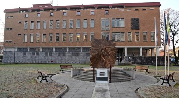 In una foto d'archivio il tribunale di pordenone