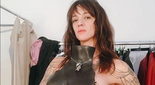 Asia Argento super sexy su Instagram: Corona è già alle spalle?