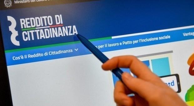 Reddito di cittadinanza, nei primi tre mesi importo medio di 526 euro