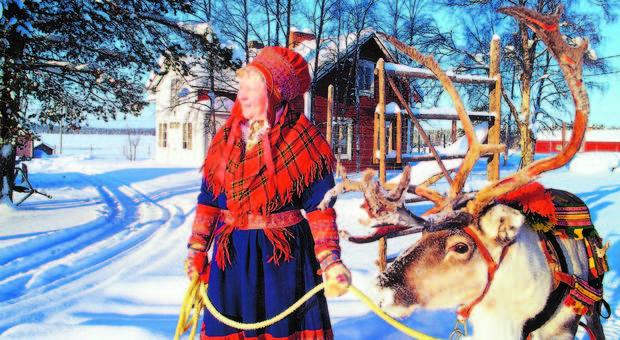 donna Sami nei pressi di Inari